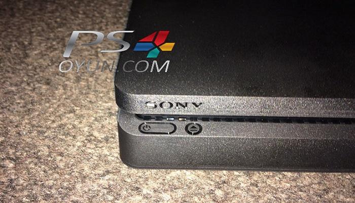 PS4 Slim 4