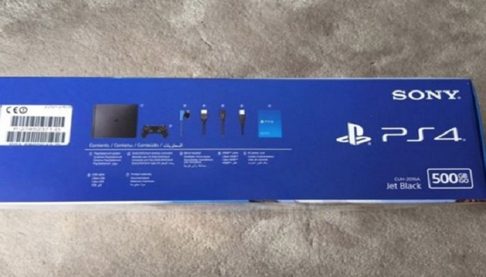 PS4 Slim Box 3